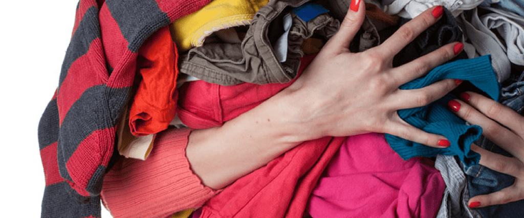 How to prepare your clothes before donating them - Seams For Dreams